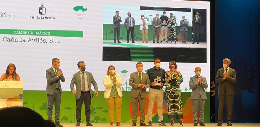 Recogiendo el Premio Medio Ambiente de Castilla la Mancha 2021 en la Categoría Cambio Climático